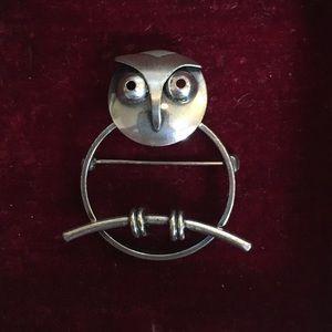 Vintage sterling silver owl brooch